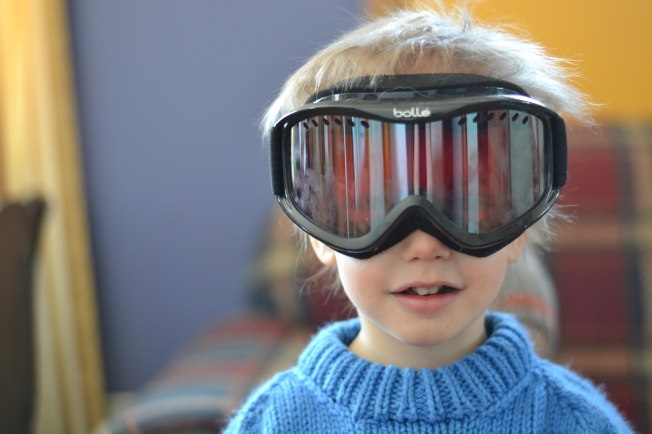 Cael loves to get his hands on his uncle's ski goggles.  He makes a pretty cute bug, eh?
